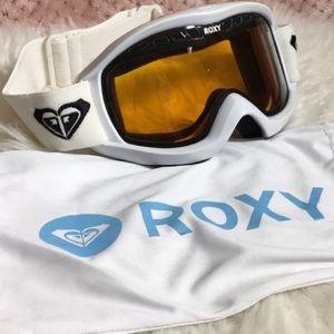 Roxy snow boarding goggles